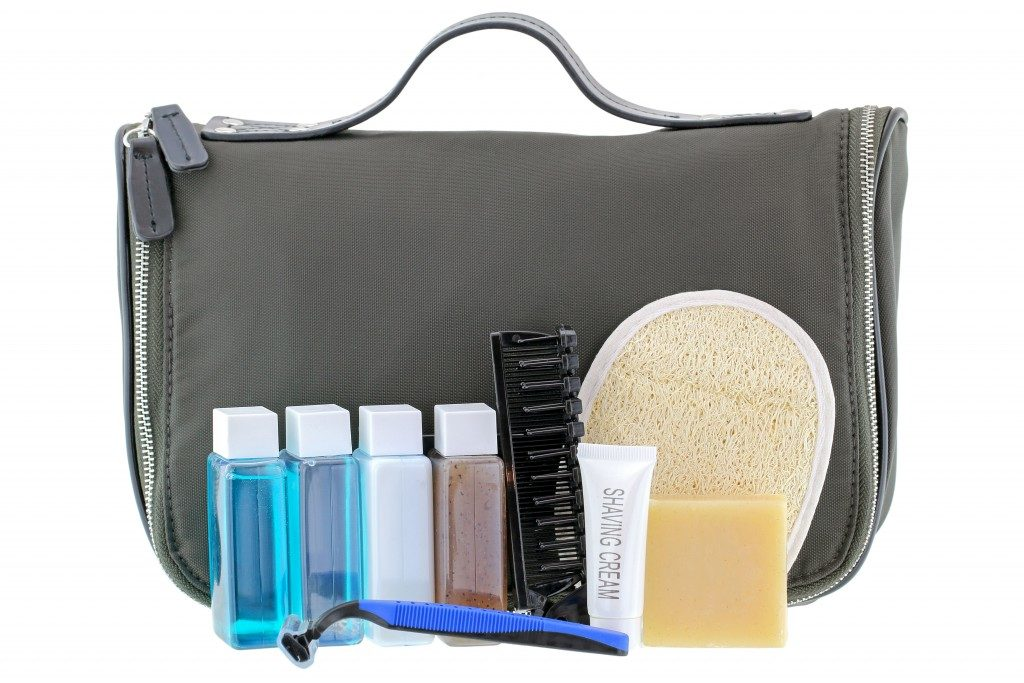Shaving and bath set