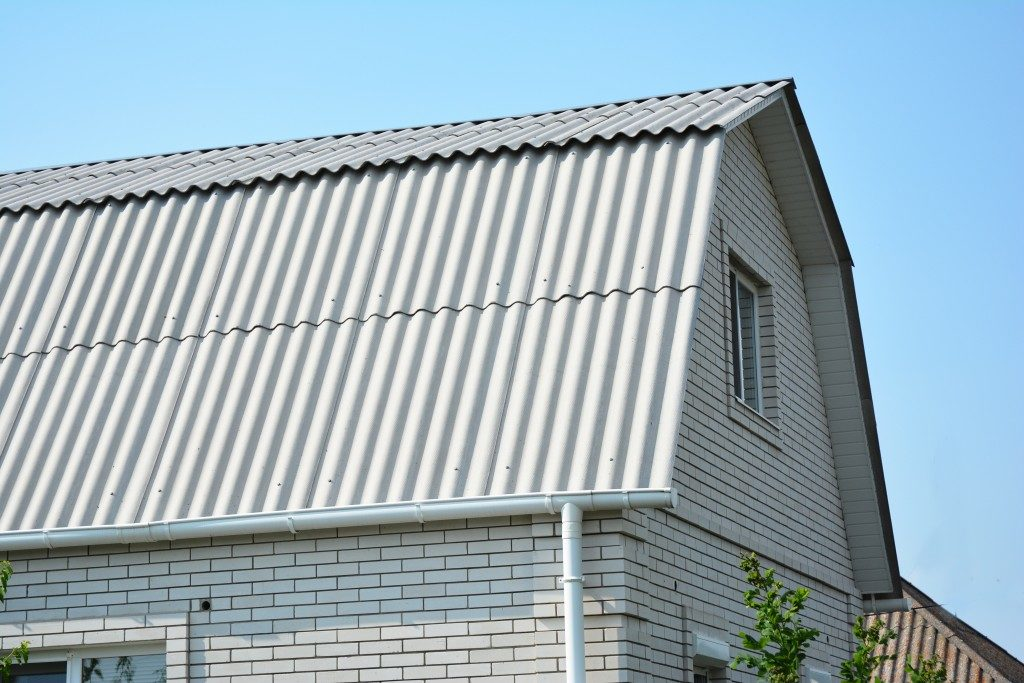 White Roofs Bring Cool Savings. For homes in warm climates, white roofs, aka cool roofs, can reduce air conditioning costs by up to 20 percent.